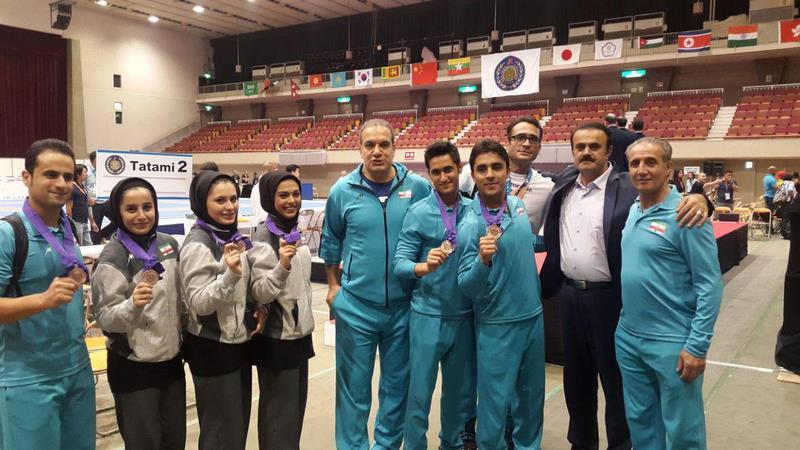 همراهی دکتر رضا الماسی با تیم ملی کاراته به ژاپن